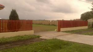 Sarud, vendégház kapu bejáró